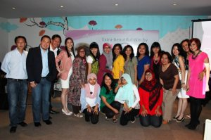 Blogger Gathering Extra Beautiful